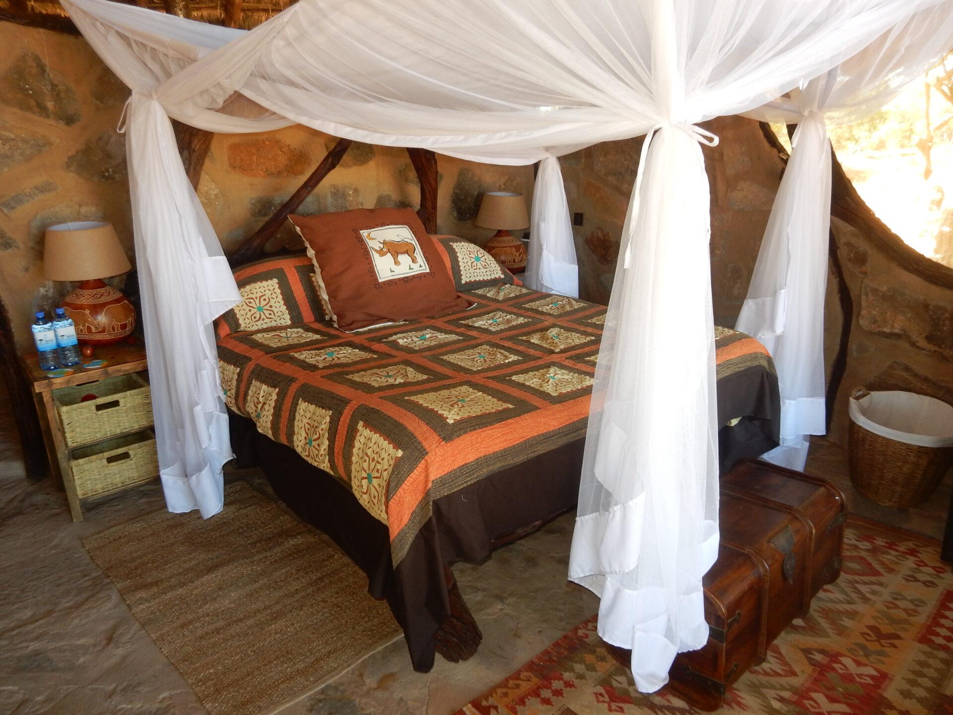 5. Banda 2 king bed