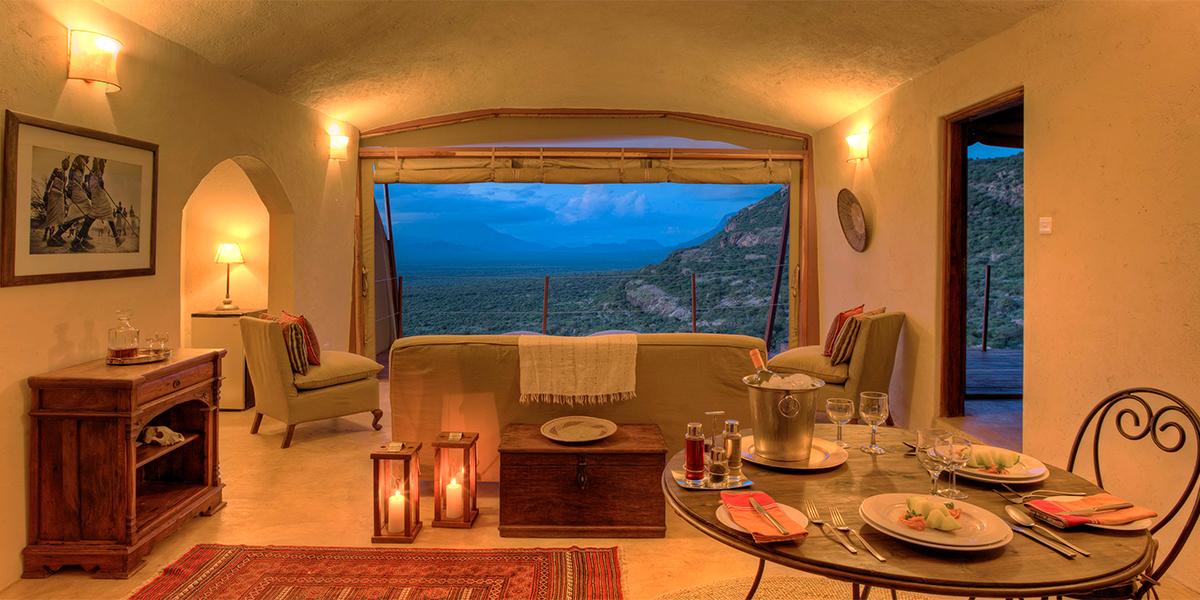 Villa 6 lounge at night2